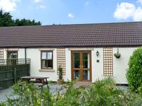 WILLOW COTTAGE, pet friendly, with a garden in Caldwell, Ref 6761