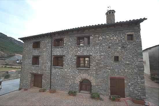 265-266-267-268 Casa Castillon is located in Foradada del Toscar, in the province of Huesca.