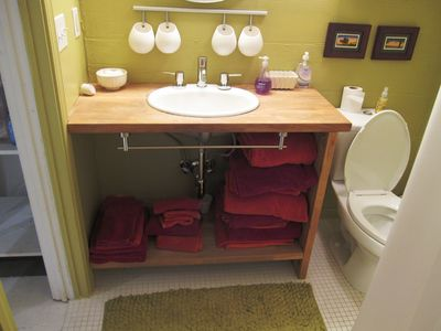 Falmouth house rental - Basement Bathroom
