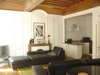 apartment on the rue de Lyon center Merciere 6 people 85 m2
