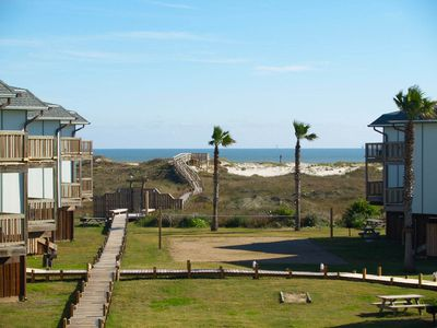 2 bedroom, 2 bath condo with a great view, boardwalk to the beach