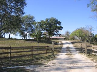 Lampasas house photo - Enter M&M Creekside, leave the world behind.