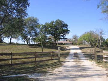 Lampasas house rental - Enter M&M Creekside, leave the world behind.