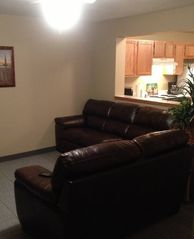 Dumas townhome photo - living room with leather sofa and love seat