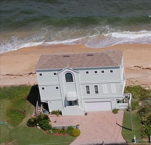 Now that's oceanfront!  (5 year old home)
