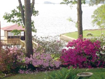 Milam cabin rental - View of lake and pier