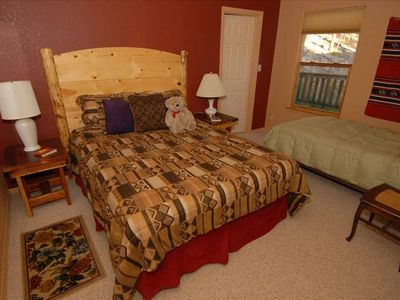 2nd Bdrm with Queen and Twin Your  5 person guest list is easily accomodated