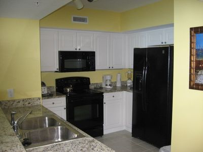 Granite Kitchen with Ice/Water Refrig & Microwave