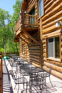 Large Wrap Around Deck w/Table & Chairs, Surrounded by Aspens