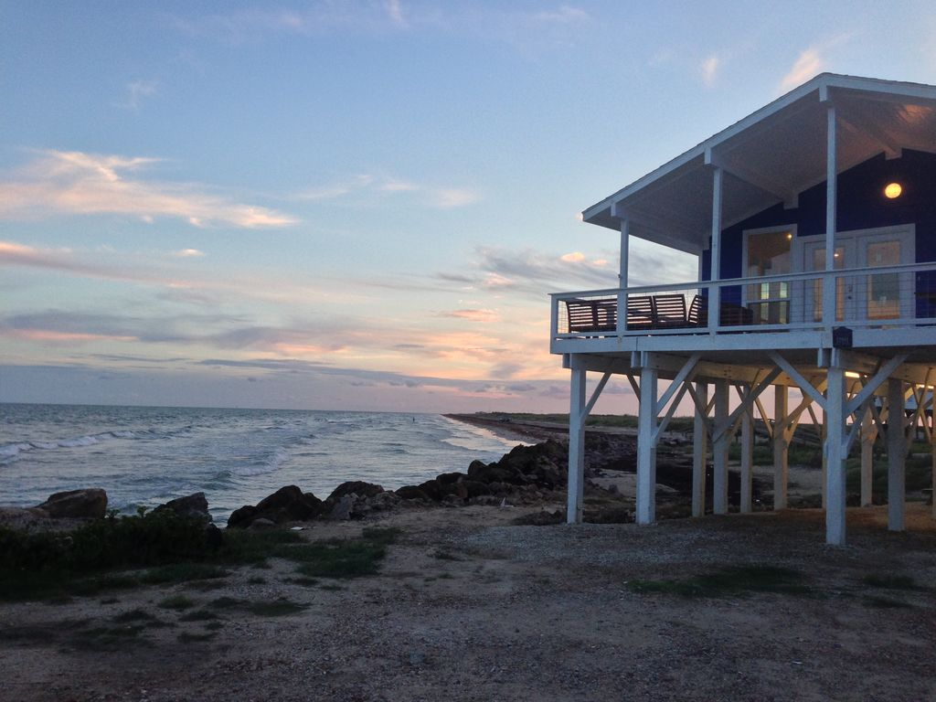 Treasure island vacation rental vrbo 3565872ha 3 br galveston house in tx perched at the - Vacation houses at the seaside ...