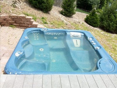 Eight person hot tub