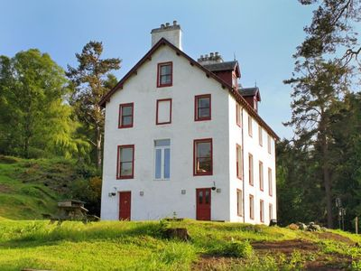 Large Victorian Hunting Lodge, Located Close To Loch Rannoch, In The Highlands