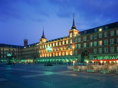PLAZA MAYOR. 10 min walking distance from cHic mAdrid cEnter.