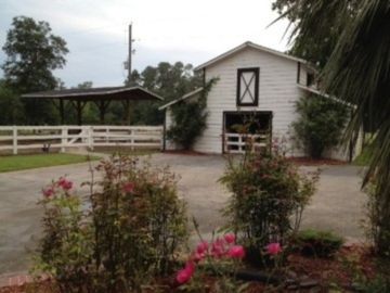 barn and pasture available for your horses during Houston Rodeo