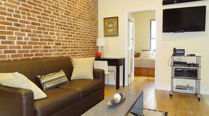 Luxury Fully Furnished 1 Bedroom Apartment in UWS One Block to