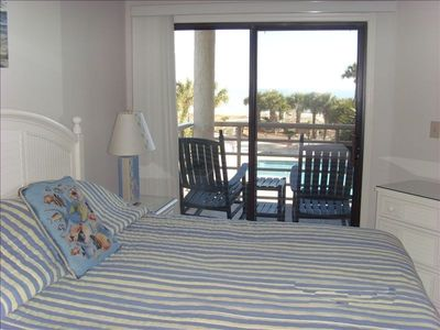 Master Bedroom with king size bed-and a wonderful view to start your day!