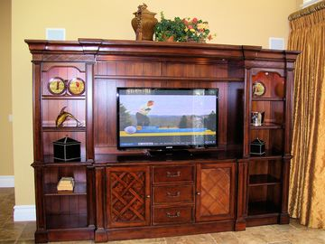 Great entertainment center to catch a few shows on.
