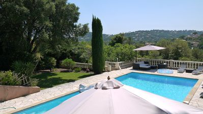 Villa with swimming pool, barbecue, Ping - Pong,