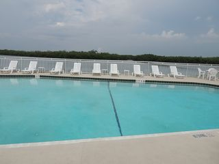 Ruskin townhome photo - Large swimming pool