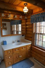 Minocqua cabin photo - 4 impeccably clean bathrooms