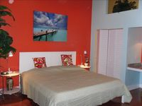 STEPS FROM DUVAL! LUXURIOUS, SLEEPS 2-4, OLD TOWN