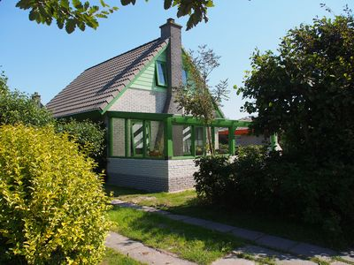 Comfortable holiday home, 300 meters from the beach, with fireplace, bath, WiFi,