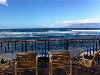 Grab your favorite drink and enjoy the the view from surfside.