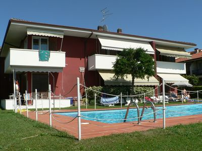 Bardolino apartment directly on Lake Garda, just 100 meters to the lake, garden with pool + lawn