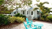 Professionally Decorated Beach Basket Just 4 Homes from the Beach W/Heated Pool!