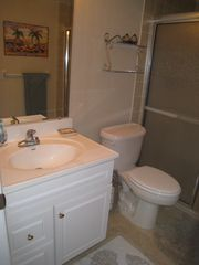 Ormond Beach condo photo - Master bathroom.