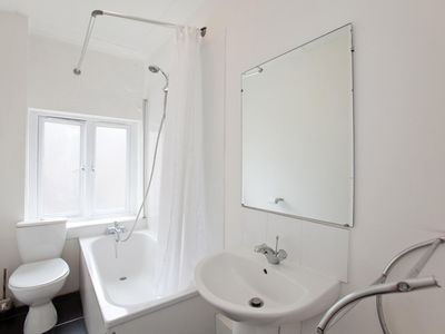 Charing Cross apartment rental - Apt 9 - Bathroom