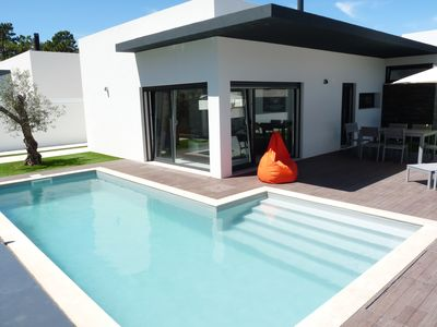 New house in Sesimbra with private pool and garden for 9 people, close to Lisbon