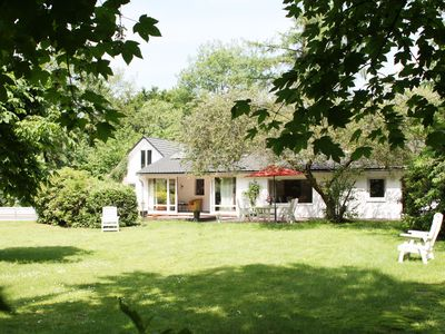 In a secluded. Bungalow on 1/2 acres Land. u with pool. Sauna i. D. Near a lake