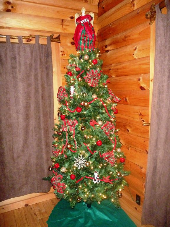 Christmas Tree at Eagles View Cabin in the Smokies.