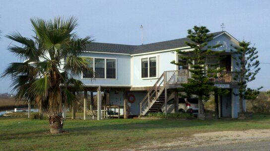 Blue crab cottage indianola blue crab cottage for Port lavaca fishing report