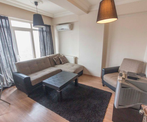 Studio apartment near osmanbey and istiklal homeaway beyo lu for 1 bedroom and den apartments near me