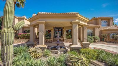 Beautiful 10,000 sq. ft. Mansion in Phx with great hiking trails right outside