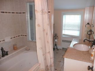 Newport cottage photo - upper full bath