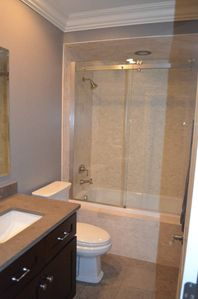 2nd full bathroom - upper level, shower and tub