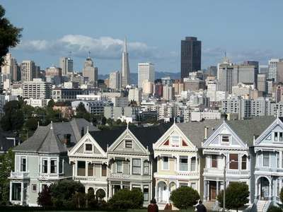 The famous Painted Ladies of Alamo Square are just a few blocks away.