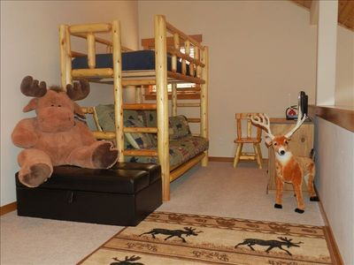 Lake Cle Elum cabin rental - Twin Bunk, Dbl Futon Bed/Sofa, TV/DVD for children's favorite DVDs from home