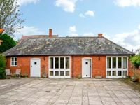 THE COACH HOUSE, pet friendly, with a garden in Almeley, Ref 19861