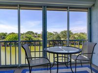 Spanish Cay E6: Gorgeous Updates/Decor, Close to Beach & Affordably Priced!