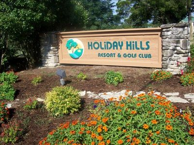 Entrance to Holiday Hills Golf Resort.