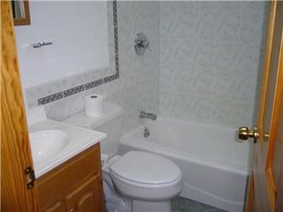 Meredith house photo - Bath