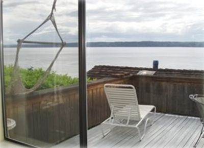 Seattle house rental - Looking from the living room to the deck