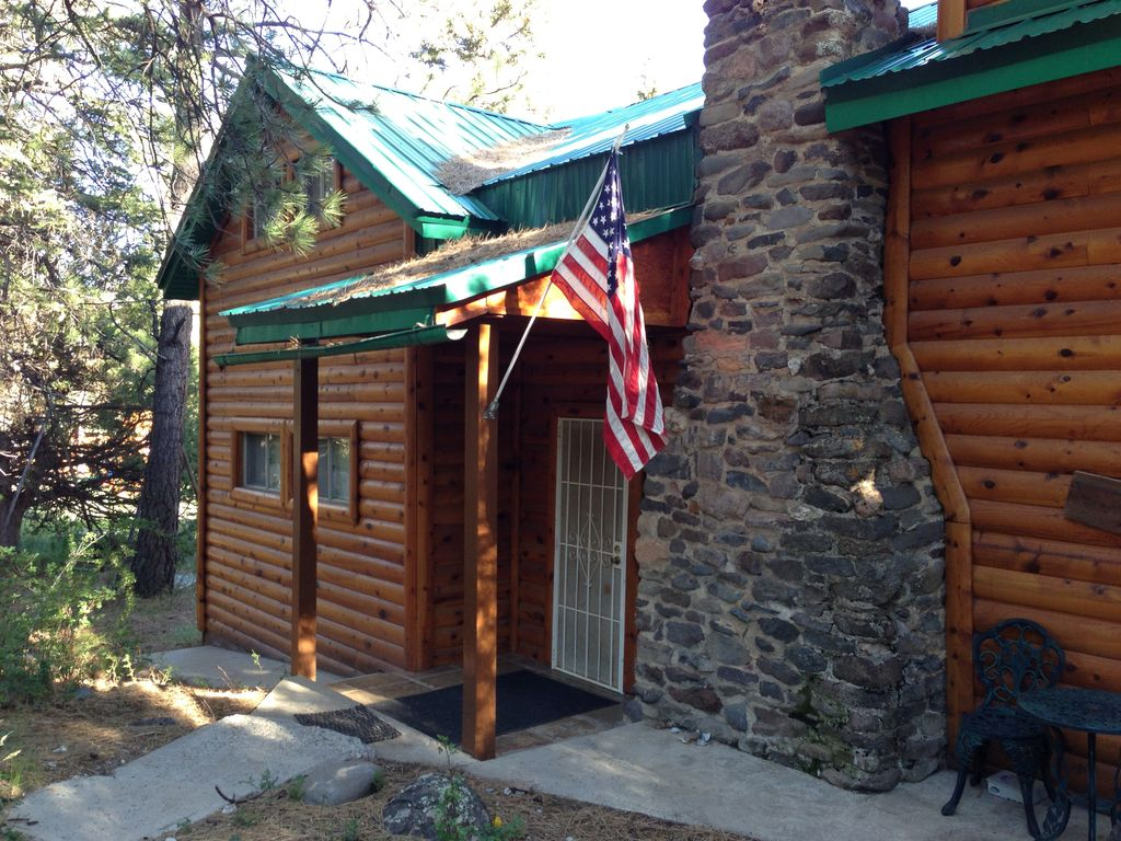 The mammoth creek cabin a tranquility vrbo for Mammoth cabin rentals