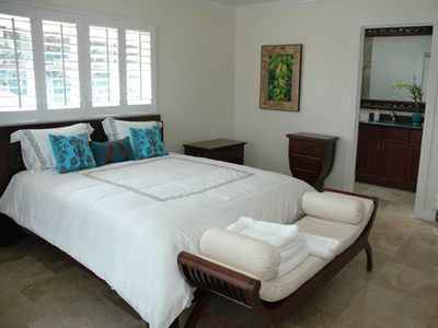 Haleiwa villa rental - upstairs bedroom with deck views of beach