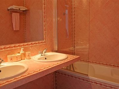 Gale villa rental - One of the bathrooms