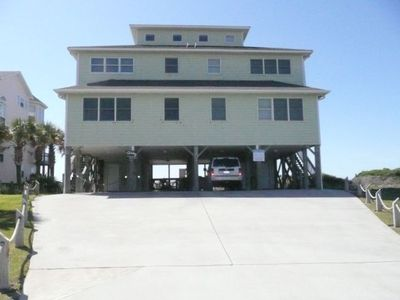 Beautiful Oceanfront Pet friendly home